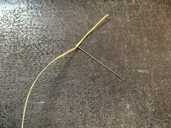 糸を針に通す 写真2