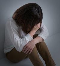 絶望の中にいる女性 写真