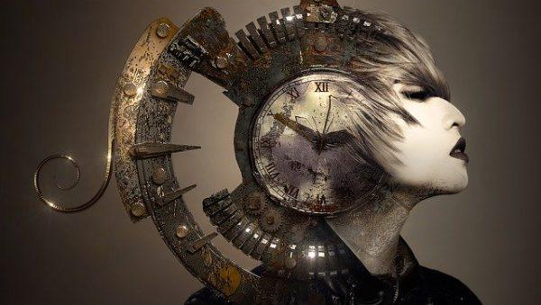 時計と女性 写真