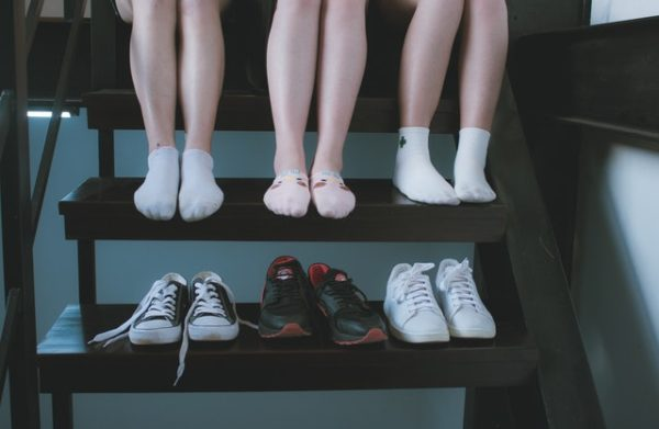 靴を脱いだ時の臭い 写真