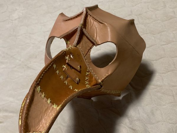 革で作ったペストマスク 写真