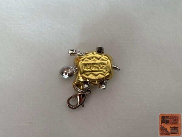 財布屋 サービス品 カードが入る小銭入れ 商品状態 銭亀キーホルダー 写真