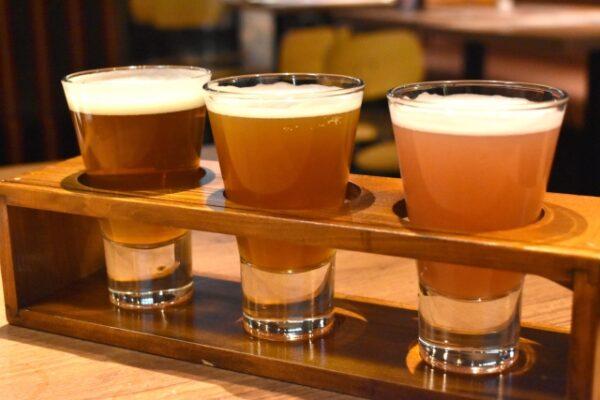 クラフトビール飲み比べ 写真